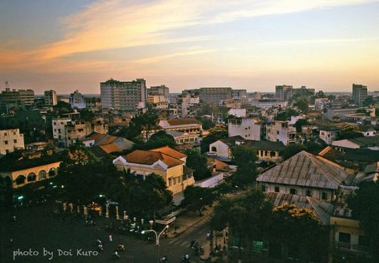 Một góc đường Nguyễn Huệ nhìn từ tầng cao của khách sạn, 1989.