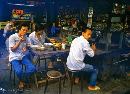 Các quán ăn ở Chợ Lớn, 1989.