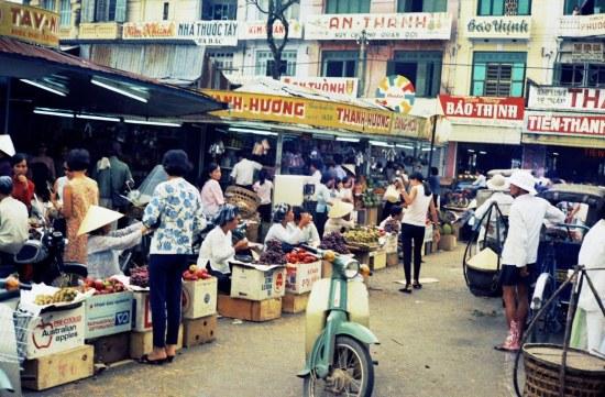 Góc ảnh khác về góc chợ Bến Thành phía cửa Bắc.
