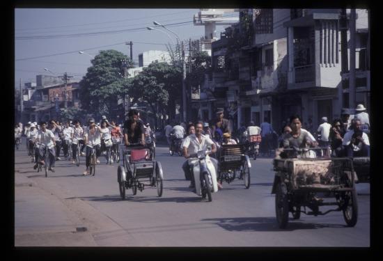 Trên phố Trần Hưng Đạo.