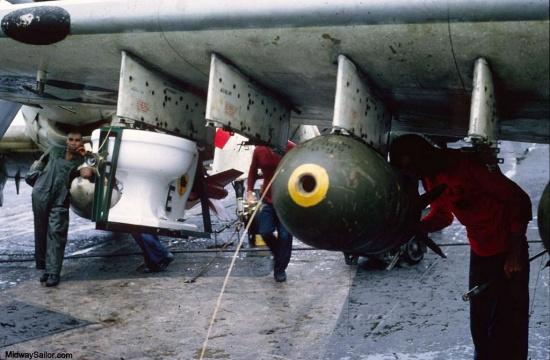 Phi vụ này được các phi công chiến đấu của Phi đoàn cường kích 25 trên tàu sân bay USS Midway thực hiện nhằm đánh dấu cột mốc 6 triệu cân Anh bom đã được thả kể từ khi tham chiến ở Việt Nam.