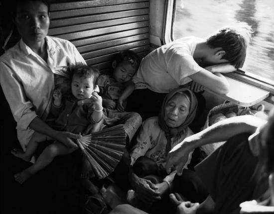 Các hành khách trên tuyến đường sắt Bắc - Nam.