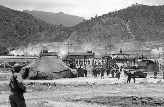 Ông Waters có mặt tại bán đảo Triều Tiên ngày 4/6/1952. Vào thời điểm này, binh sĩ Mỹ đã tới Hàn Quốc làm nhiệm vụ.